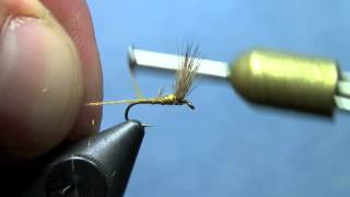 Fly Tying Sparkle Dun
